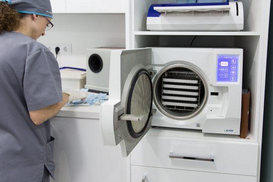 en qué consisten las técnicas regenerativas con factores de crecimiento que ponemos en marcha en la clínica dental en Barcelona Marín García